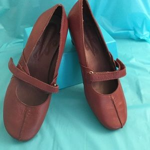 NEW DARK CHERRY LEATHER SMALL HEEL SHOE